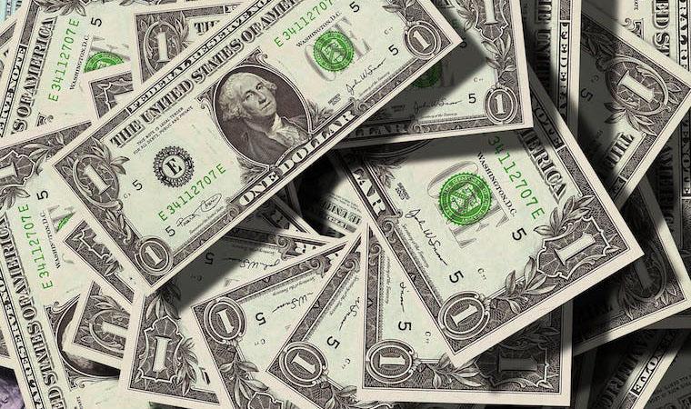 大金を得て新しいことを始めるべきか、このままか